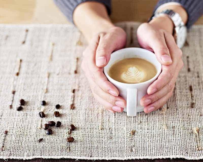 Espacio Sagrado en una Taza de Café