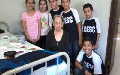 """Santa Catarina Students visit to the """"Saint Vincent de Paul"""" nursing home"""