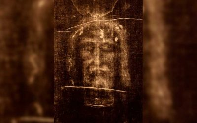 Holy Saturday: Prayer with the Shroud of Turin